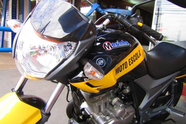 moto2-7D24120D5-580E-9BC9-2B27-AA16B91BC749.jpg
